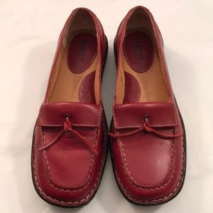 Born Red Tassel Loafer Shoes Size 8